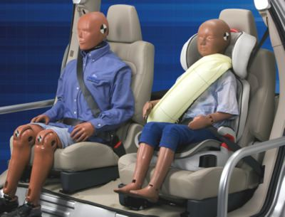 Ford will introduce inflatable seat belts for small passengers in 2011 models.