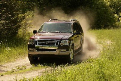 2006 Ford Explorer SUV is all new from the A-pillar forward, and features a new front and rear design, as well as interior and safety enhancements over the 2005 model.