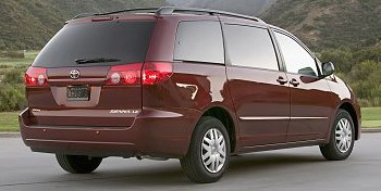 Toyota Sienna (2007 LE model shown).